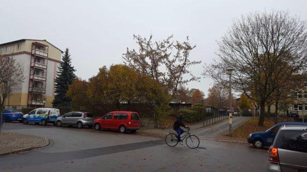 Rosengartenschule an der Kreuzung Carusufer/Löwenstraße