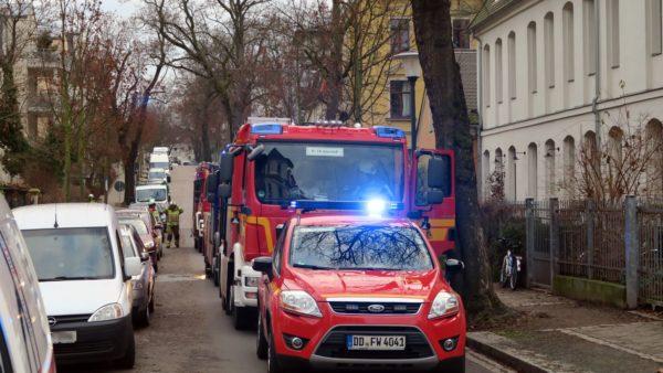 Mit drei Löschzügen von der Wache Fabricestraße rückte die Feuerwehr an.