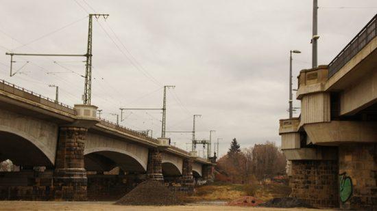 das doppelte Mariechen: Brücke links führt nur Züge