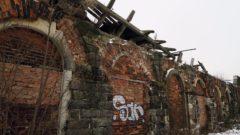Das Denkmal gleicht einer Ruine.