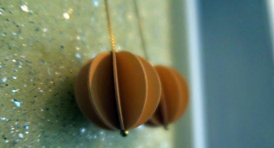 Plissee-Ohrring