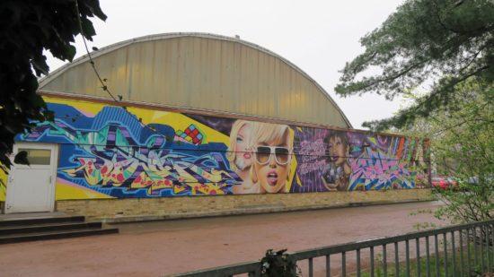 Die alte Tonnen-Halle aus DDR-Zeiten wird abgerissen.