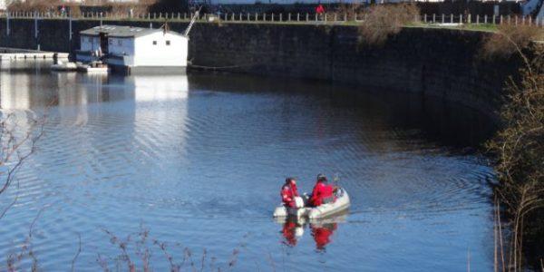 Auch mit Sonar hatten Spezialisten mehrfach das Hafenbecken abgesucht. Foto: W. Schenk