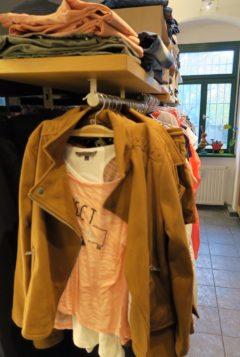 Kleider für Kids von Null bis 18 Jahre