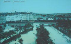 Bischofsplatz mit Dampflok