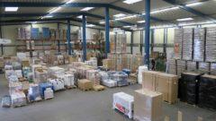 Riesiges Logistik-Lager