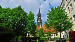 Turm der Dreikönigskirche.