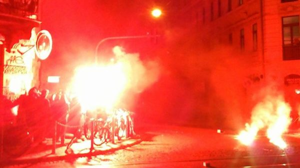 Pyrotechnik an der Sozialen Ecke