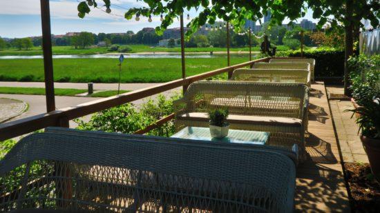 Terrasse mit Elbblick