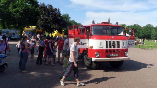 Rundfahrt im alten Feuerwehrauto