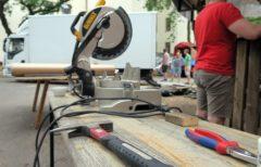 Der Scheuneverein hilft mit Werkzeug aus.