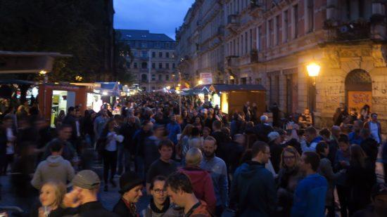 Martin-Luther-Platz am Abend