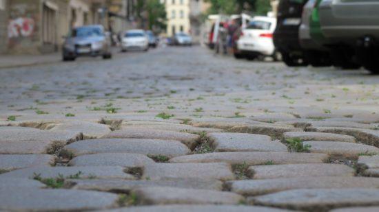 Tschüss Großkopf-Pflaster. Die Martin-Luther-Straße wurde asphaltiert. Foto: Archiv Juli 2017