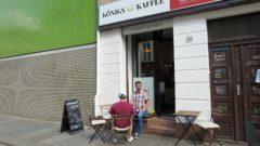 Winziges Elf-Quadratmeter-Kaffee-Lädchen.