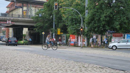 Beim Queren des Bischofsplatzes wurde gestern eine Radfahrerin von einem Auto erfasst.