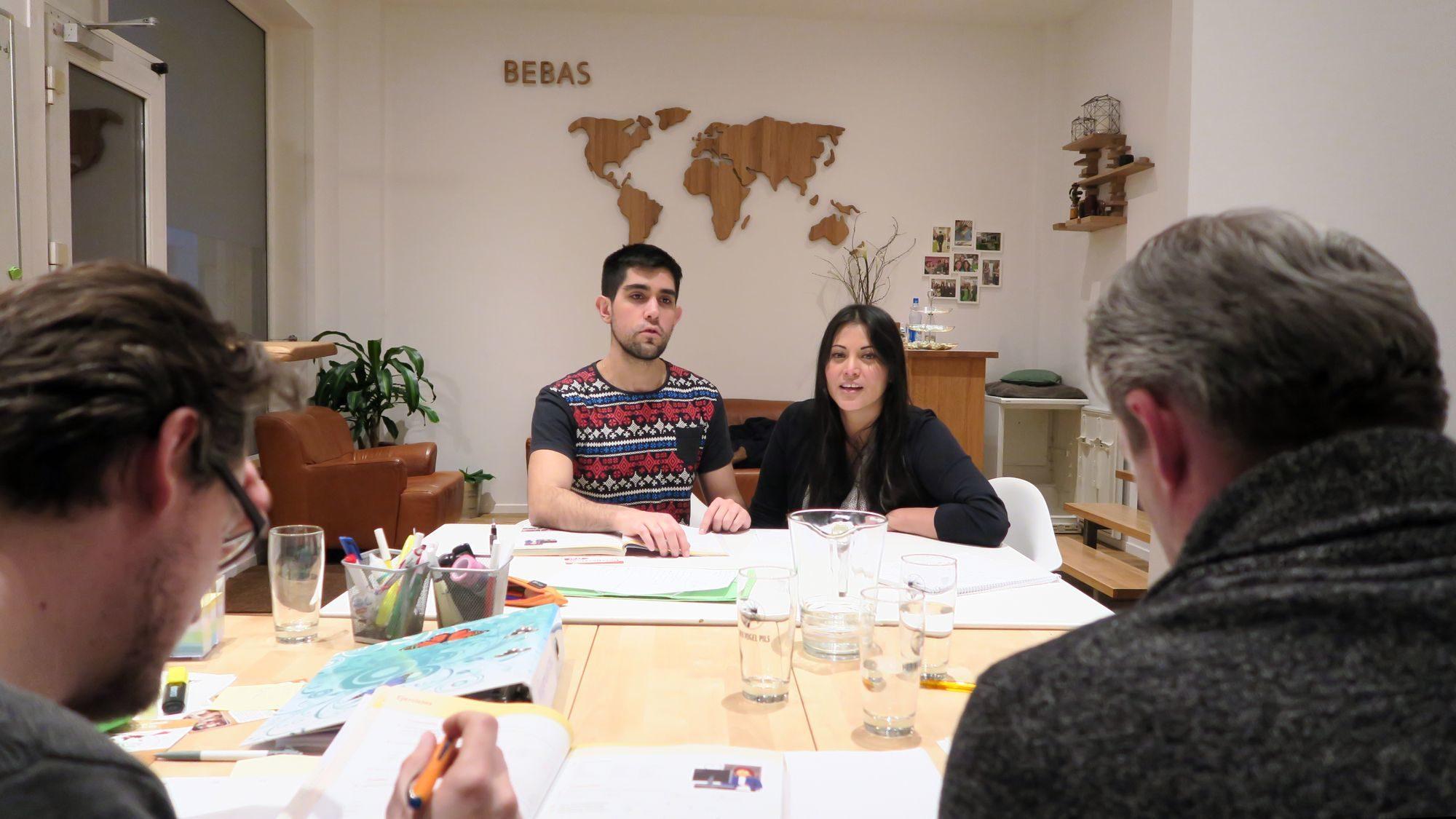 Spanischlehrer Carlos und Chefin Karin