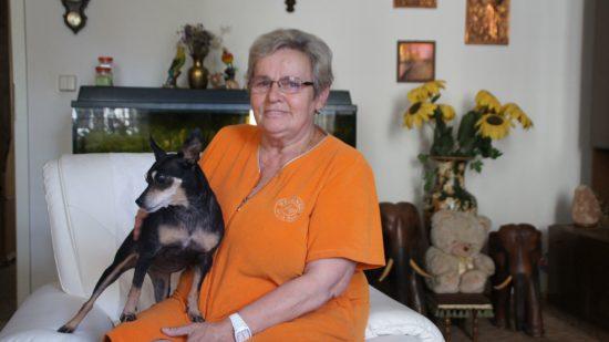 Anita Krüger mit Hündin Josi
