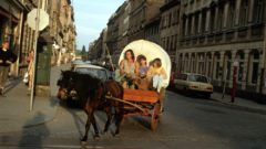 Großstadt-Indianer Jens Kalanke mit Planwagen, Anfang der 1990er Jahre. Foto: Archiv Lothar Lange