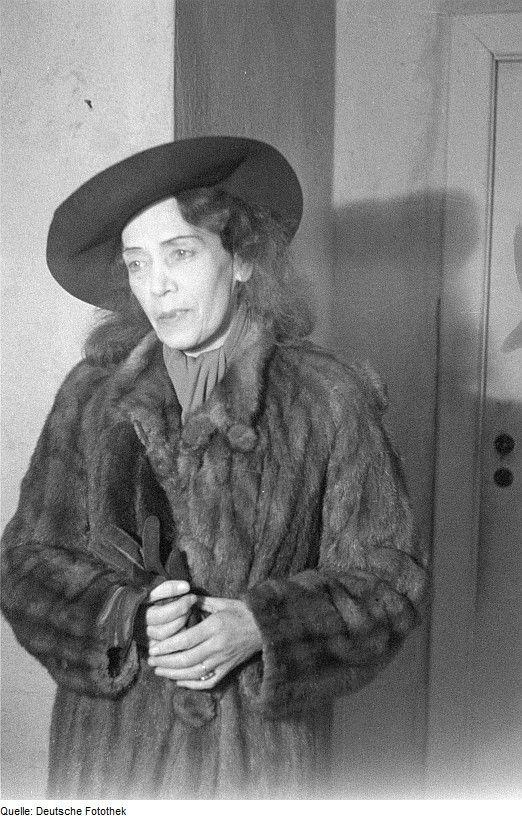 Mary Wigman, Fotografie von Abraham Pisarek, 1946 Quelle: Deutsche Fotothek