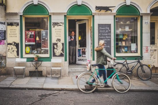 Büchers Best auf der Louisenstraße. Foto: Neustadtspaziergang/Stephan Böhlig