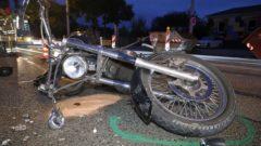 Die beschädigte Honda auf der Leipziger Straße - Foto: Roland Halkasch