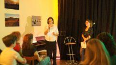 Der Verein *sowieso* lädt zur Geburtstagsfeier ein. Susanne Seifert (Mitte) kümmert sich im Verein um die Kultur- und Öffentlichkeitsarbeit. (Foto: Kristin Weinhold)