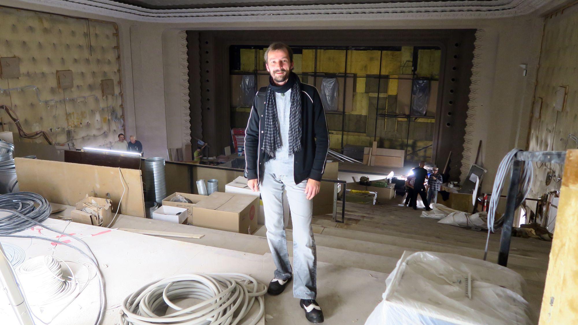 Schauburg es dauert noch neustadt gefl ster for Stellenanzeigen architekt