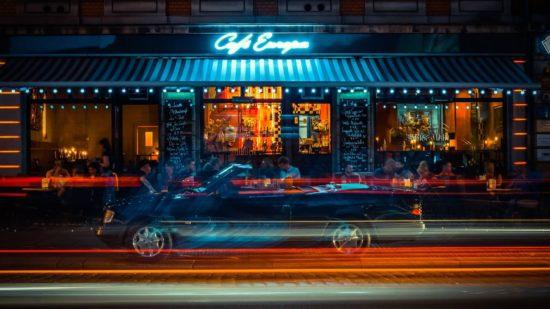 Café Europa bei Nacht - Foto: Café Europa