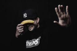 Produzent Monkay, das Beat-begabte Phantom