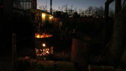 Gemütliches Eckchen an der Feuertonne