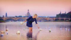 Aus der Titelgeschichte: Glücksforscherin Saskia Rudolph - Foto: Amac Garbe
