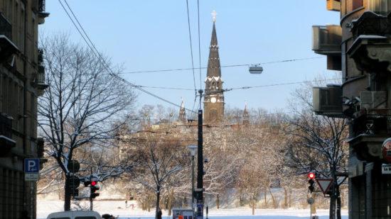 Die Garnisonkirche über dem winterlichen Alaunplatz - Foto: Archiv 2010
