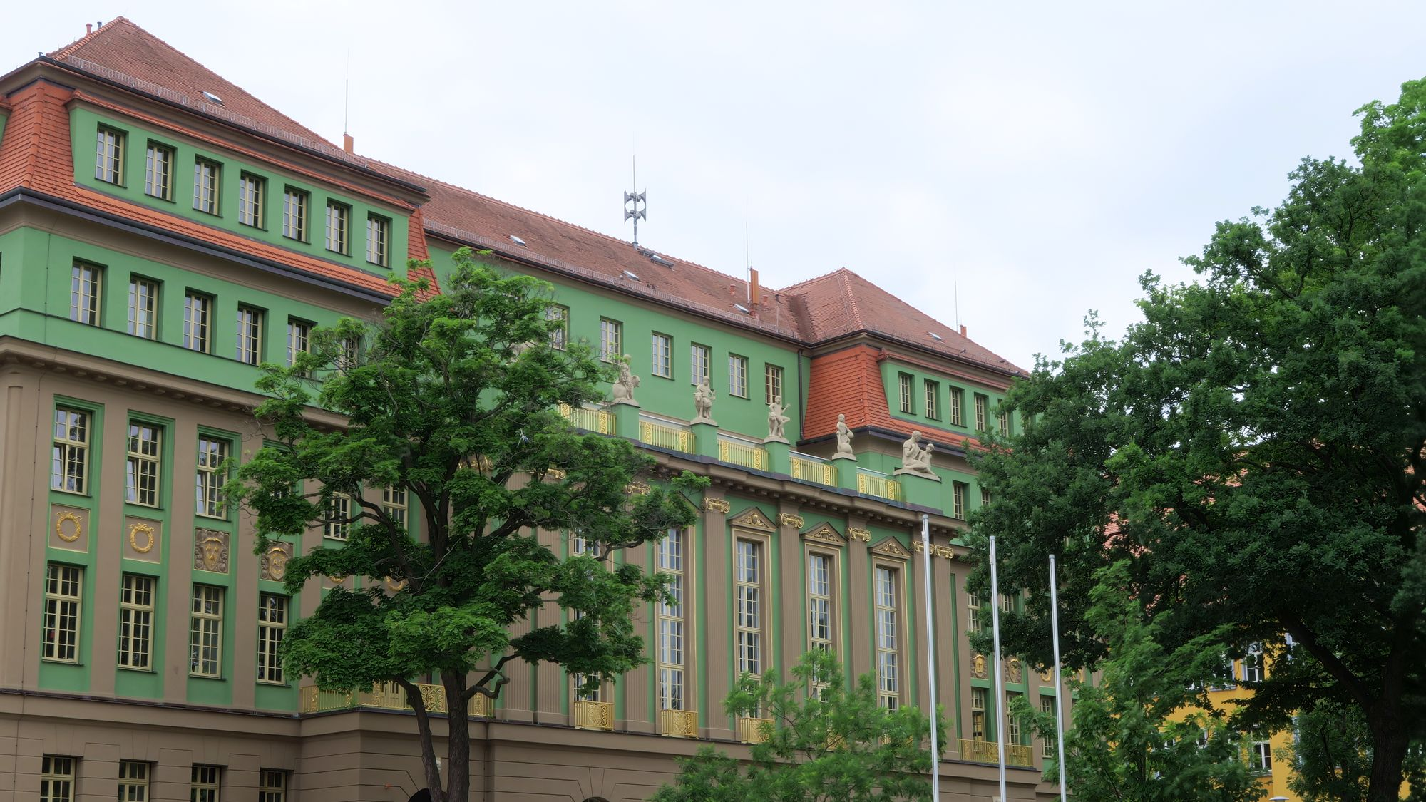 Sirene auf dem Romain-Rolland-Gymnasium