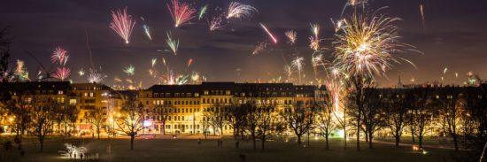 Feuerwerke über Dresden - zu Silvester ändert sich nichts - Foto: Archiv/Robert Seifert