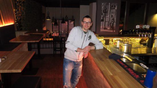 Neuer Chef im Burgerheart: René Förster. Er will die Bar im Dachgeschoss mit Leben füllen.