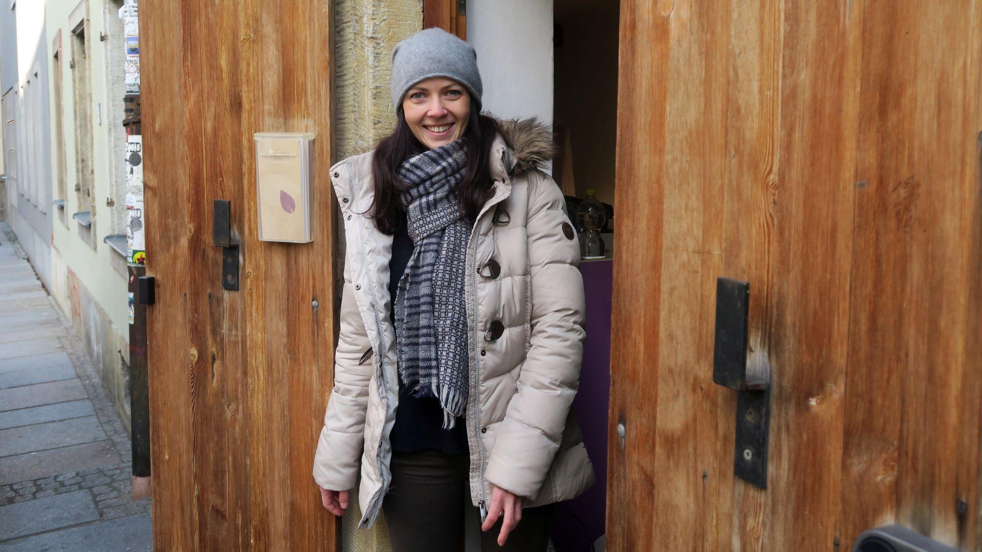 """""""Touch of Nature""""-Chefin Ina Branitz auf der Böhmischen Straße."""