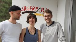 """Paul Rosenow, Friederike Kopp und Tobias Teubner sind das Betreuer-Dreamteam des Kindertreffs """"Am Jägerpark"""""""