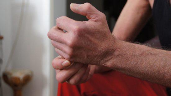 """Die Sehnen an den Händen lassen Reparaturen nicht mehr zu. Es bleibt das Schlagzeug, genannt """"Baby"""""""