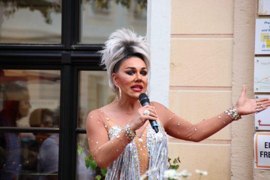 Travestie-Show auf der Königstraße