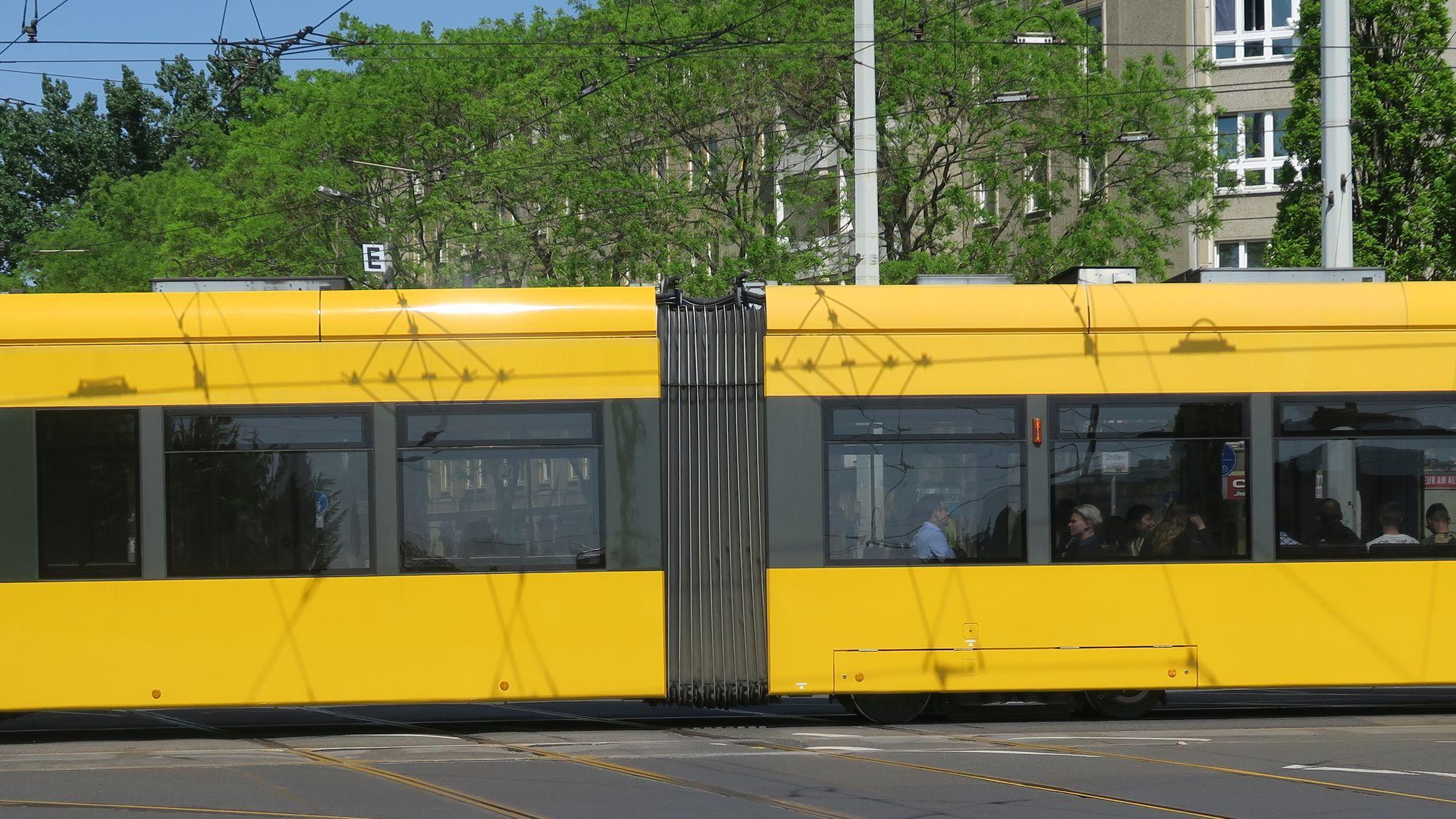 Straßenbahn am Albertplatz