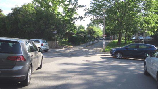 Eltern fordern mehr Verkehrssicherheit vor der Rosengartenschule