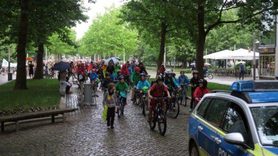 Fahrrad-Demonstration zum Erhalt der Nus.