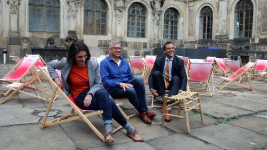 Haben gut Lachen: Noura Dirani von den Staatlichen Kunstsammlungen, Hauptintiator Jörg Polenz und Großsponsor Christoph Gröner (CG-Gruppe stellen die neue Saison vor..