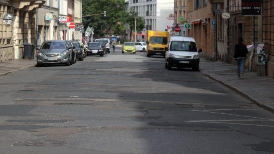 Dem Flickenteppich der Louisenstraße geht es ab Montag an den Kragen.