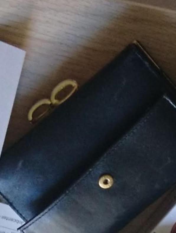 Miami (USA) - Erst freute sich Flavio Musmanno, als sich ein Mann bei ihm meldete, der ihm seine verlorene Brieftasche zurückgeben wollte. Jetzt sitzt der Familienvater aus Miami bereits über einen Monat im Gefängnis, berichtet