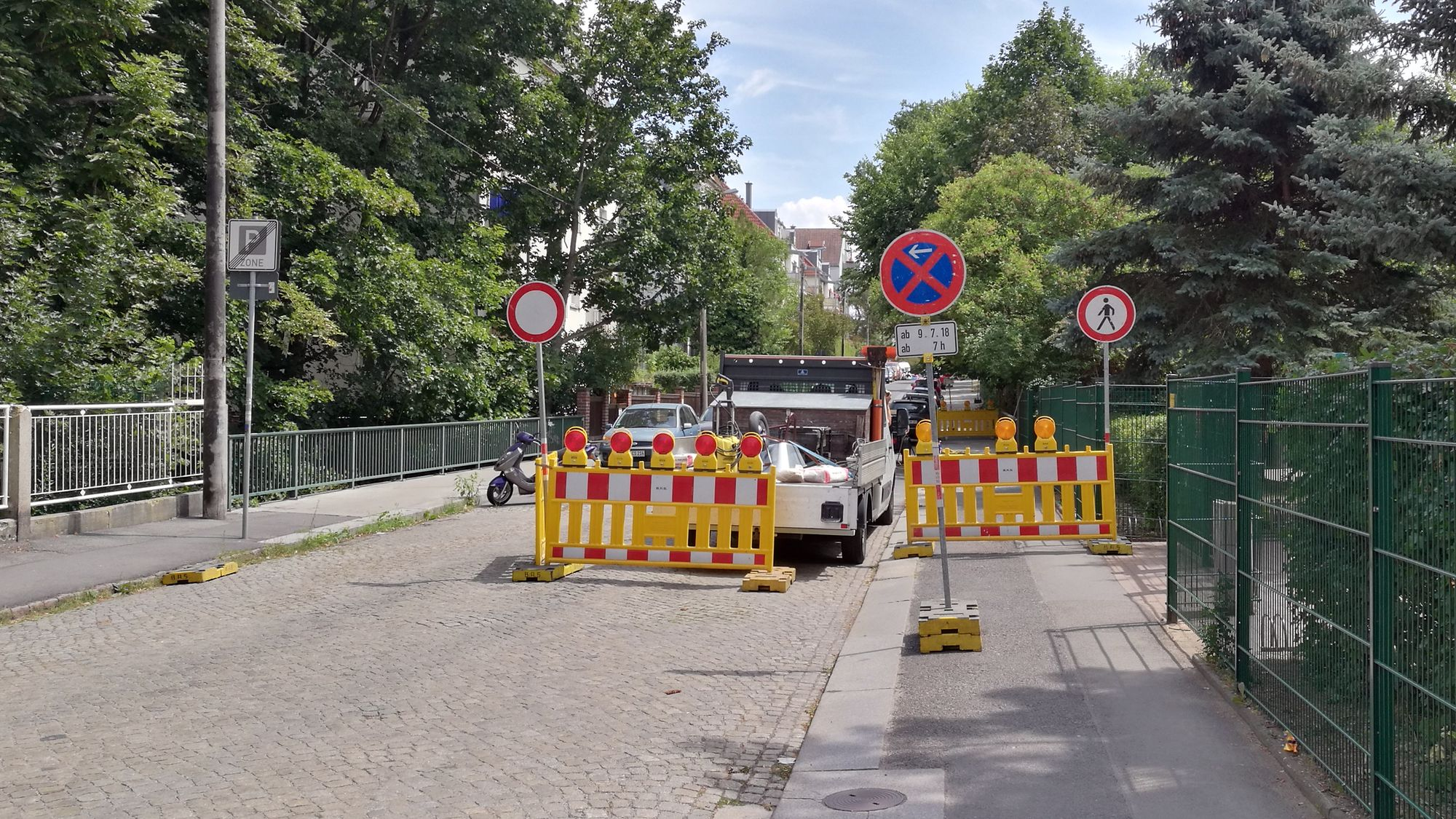 Prießnitzbrücke an der Hohnsteiner Straße gesperrt.