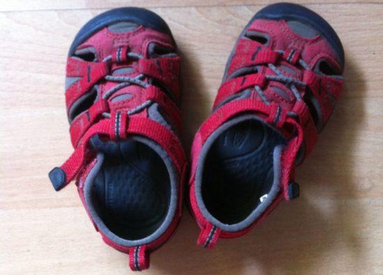 Sandalen wieder vereint