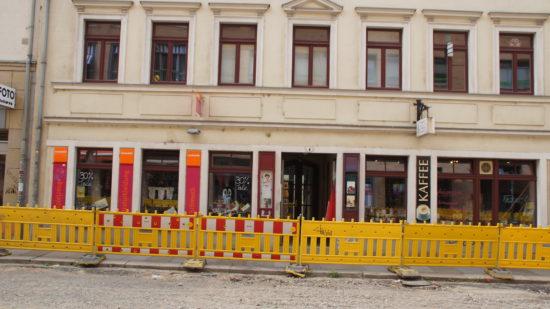 Momentan von der Baustelle eingeschränkt: LouisdoOr zwischen Foto Starke und Teehaus