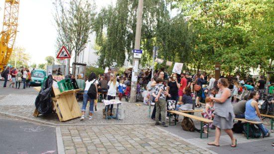 Spielplatz Ecke Ottostraße: Falafel und Geschwafel, Babyecke und Sängertreppe