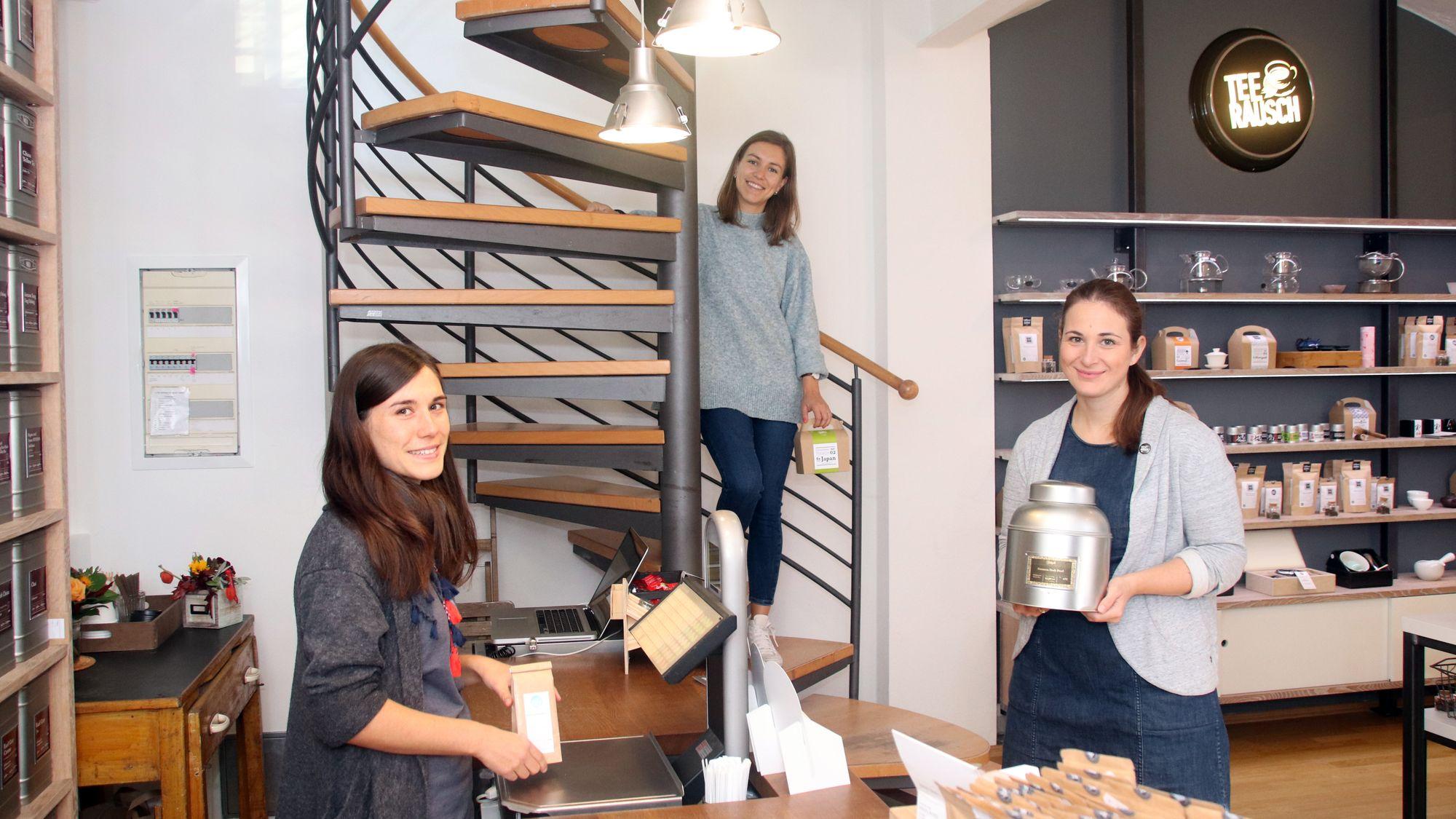 Das Team im Teerausch um Chefin Elke Werner (rechts)